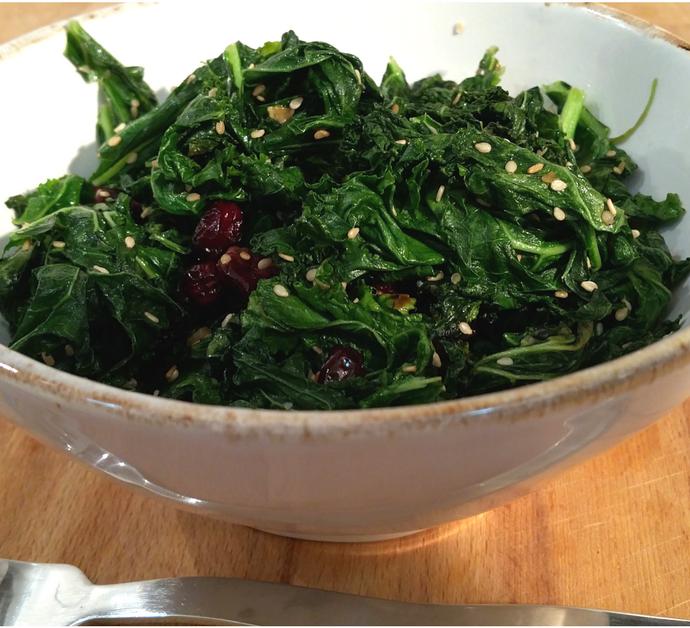Receta de kale con semillas de sésamo