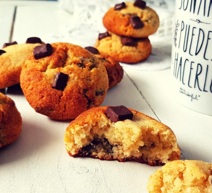 Cookies con trocitos de chocolate negro sin harina
