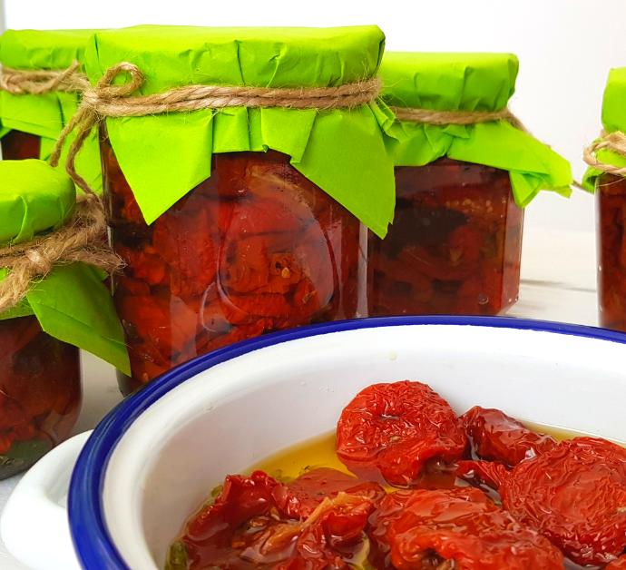 Como hacer tomates secos en aceite